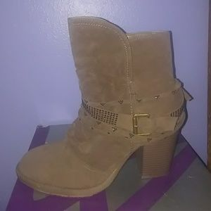 Barely used lane bryant boots